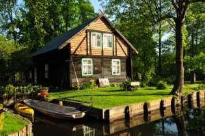 Ein Ferienhaus für die ganze Familie an einem See