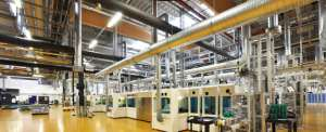 High Tech industrie factory // Industriebetrieb Solarzellen