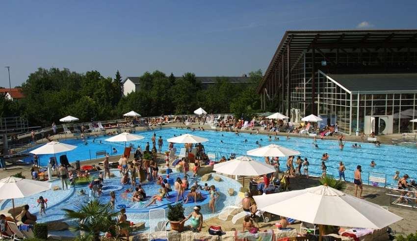Was uns Chlorgeruch übers Schwimmbad verrät