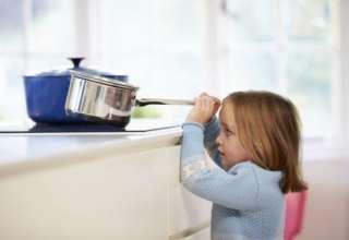 Die Wohnung kindersicher machen: So geht's!